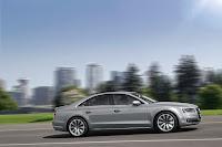 2014-Audi-A8-34.jpg