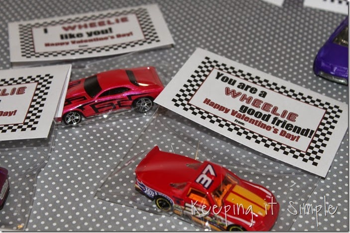 Easy Boys Car Valentines with Free Printable (7)