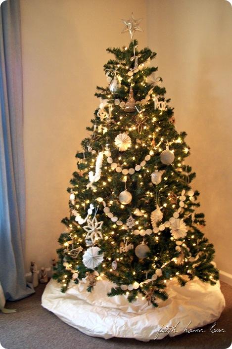 waxpapergarlandchristmastree