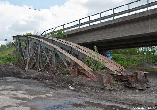 Haglunds bro. Resterna av den gamla stålöverbyggnaden.