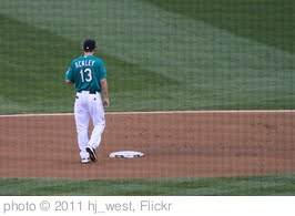 'Dustin Ackley at second base' photo (c) 2011, hj_west - license: http://creativecommons.org/licenses/by-sa/2.0/