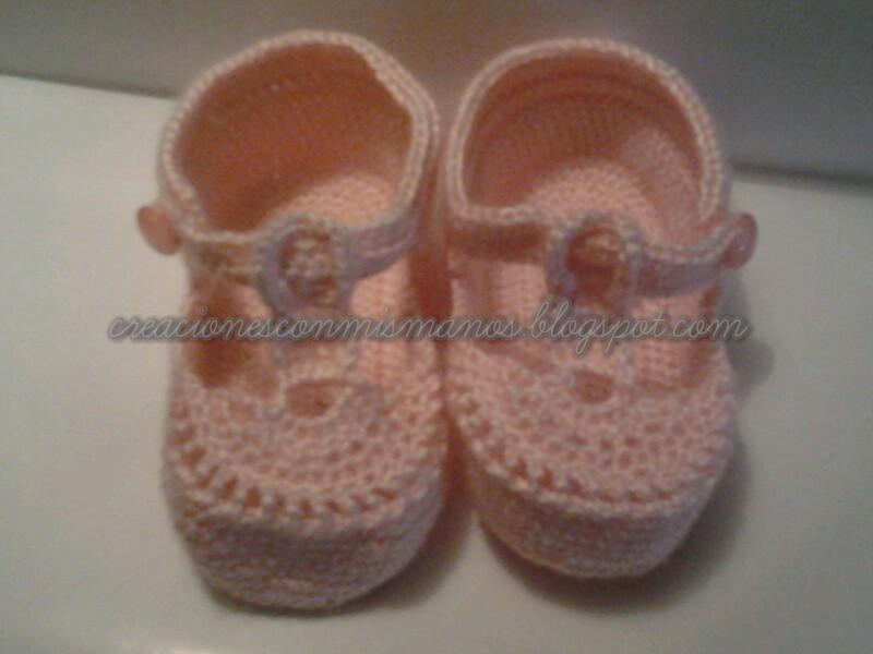 Manos de hadita: Sandalias rosas de bebé a crochet