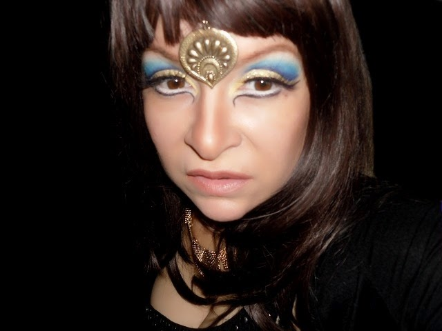 02-halloween-cleopatra-egypt-queen-makeup-look-hooded-eyes