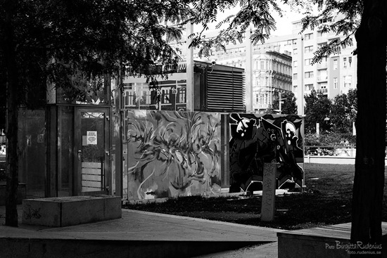 bw_20110919_graffiti_blue