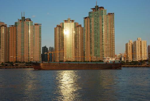 Shanghai Cooldocks - Immeubles et péniche