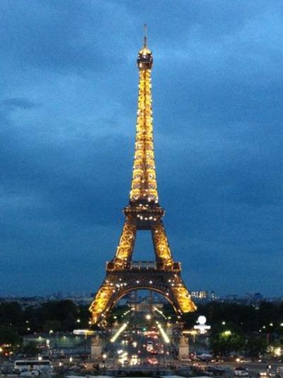 برج ايفيل ليلا