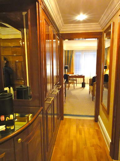review das ritz carlton hotel berlin luxus am potsdamer platz. Black Bedroom Furniture Sets. Home Design Ideas