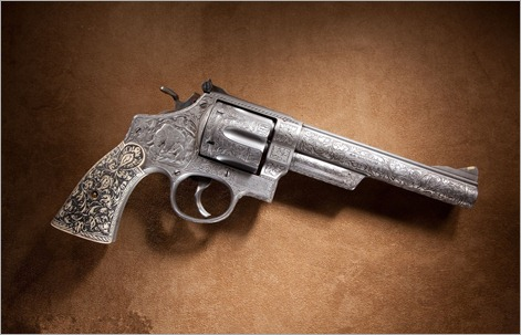 373828_revolver_starina_gravirovka_1920x1200_(www.GdeFon.ru)