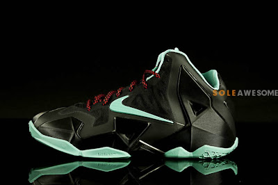 nike lebron 11 gs black green glow 1 02 First Look at Nike LeBron XI GS Black / Mint Green (621712 004)
