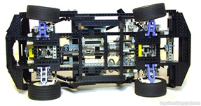 Lego_Technic_8880_Bottom