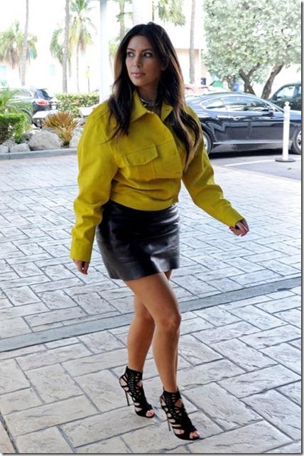 Kim Kardashian Kardashians Miami 5 OcqseYZJpn1l