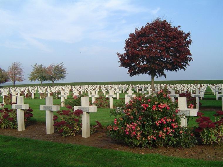 Cimetire de soldats franais en Picardie