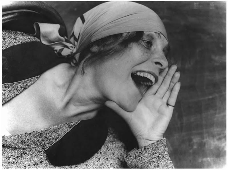 Lilya Brik photo by Aleksander Rodchenko, 1924.jpg