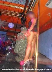 Stripper Rafael Azeredo e Sra Chupa Que é de Uva