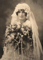 bride bed bonnet