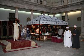 Adhan (llamada a la oración). Actividad de las Jaimas Interculturales del Centro Cultural Islámico de Valencia. Edificio La Nau de la Universitat de Valencia.