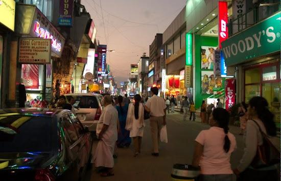 Bangalore_Commercial Street_Bangaluru.jpg