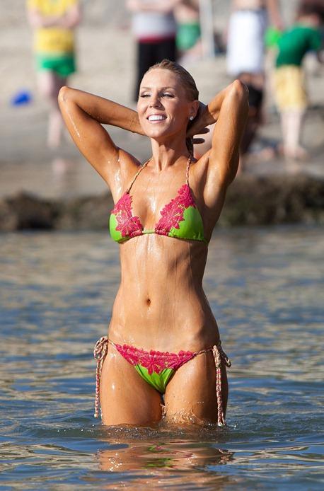 gretchen-rossi-bikini-orange-county-03