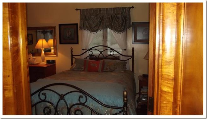 bedroom 10.12 003