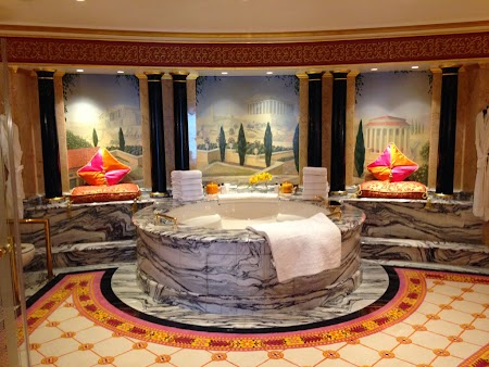 23 apart Regal jacuzzi.JPG