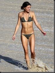 olivia-palermo-brown-bikini-st-barts-02-675x900