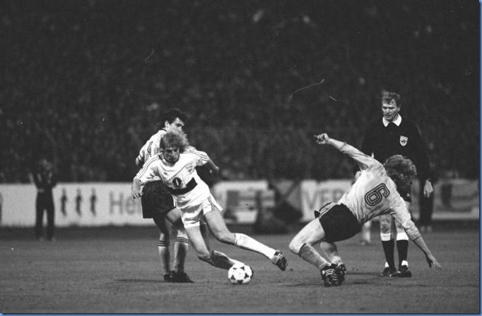Dynamo Dresden vs Stuttgart in UEFA Cup