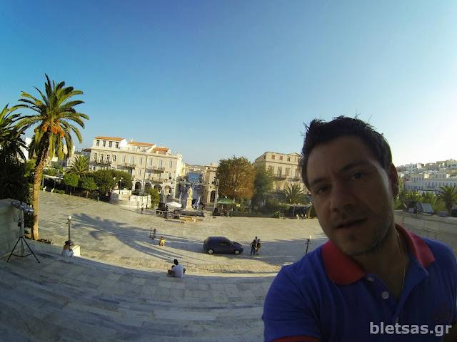 Η κεντρική πλατεία της Ερμούπολης από ψηλά!
