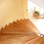 Escalera en Madera en Algarrobo o Granadillo 2.jpg