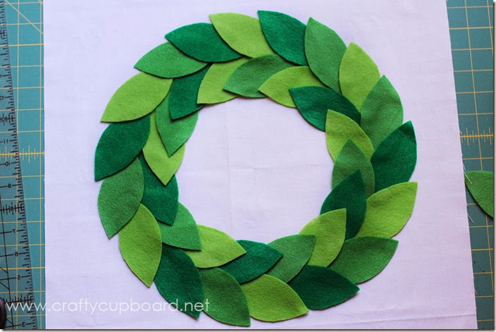 Wreath Leaf Placement