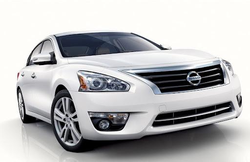 2013-Nissan-Altima-Sedan-02.jpg