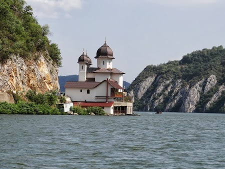 Manastirea Mraconia pe Dunare