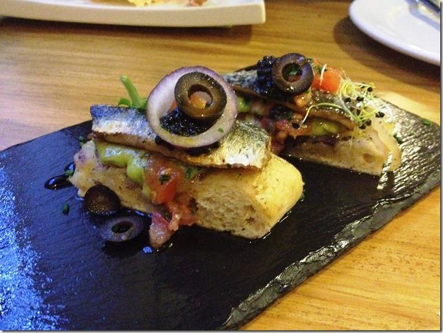 sardines with gucamole