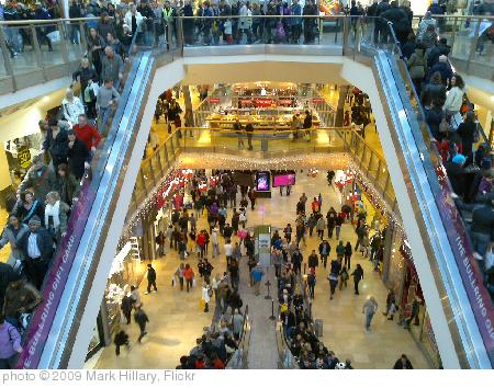 'Christmas shoppers in the Bullring' photo (c) 2009, Mark Hillary - license: http://creativecommons.org/licenses/by/2.0/