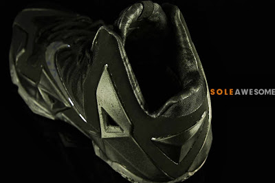 nike lebron 11 gr triple black 2 06 Detailed Look at the Nike LeBron XI Black Out (616175 090)