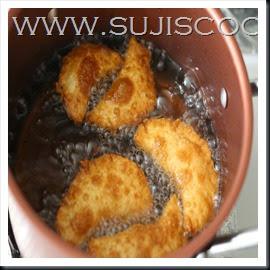 Deep fry in oil until crisp