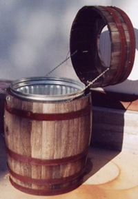 ウイスキー樽ゴミ箱