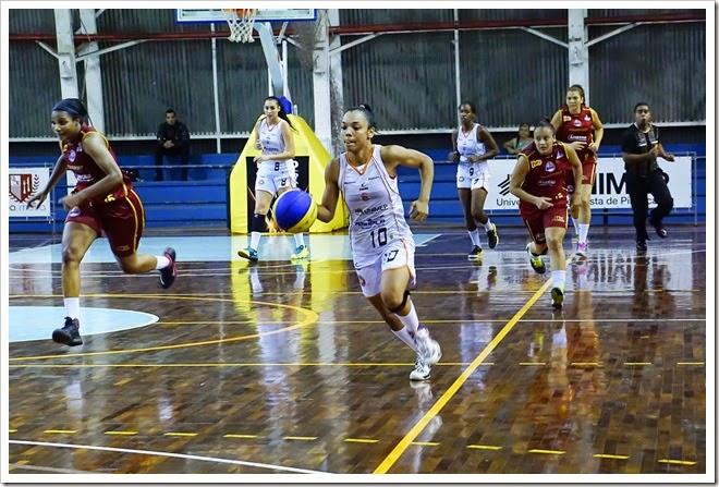 Jady Barbosa, da equipe de basquetebol feminino do XV de Piracicaba