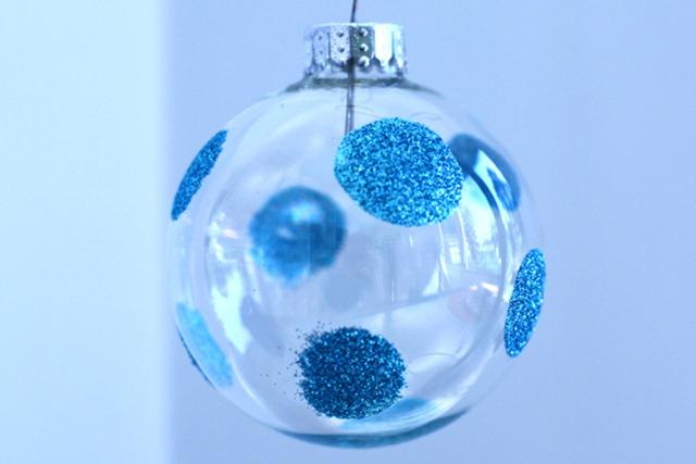blue-polka-dot-glitter-orna