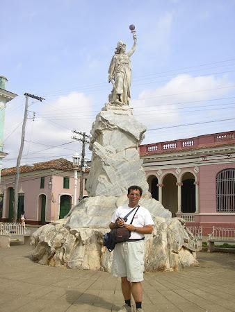 Cuba: Libertystatue in Remedios