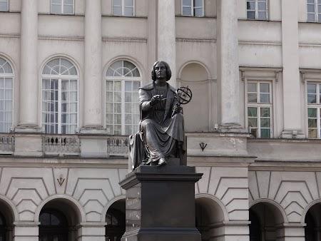 06. Statuia lui Copernicus.JPG