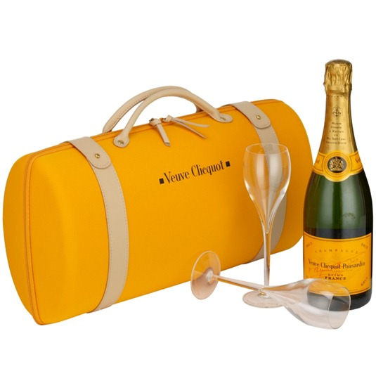 veuve-clicquot-champagne-traveller-set
