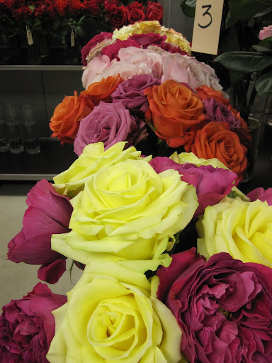 98 perfect of the roses in the shop are from Ecuador, other roses are brought in from Japan.