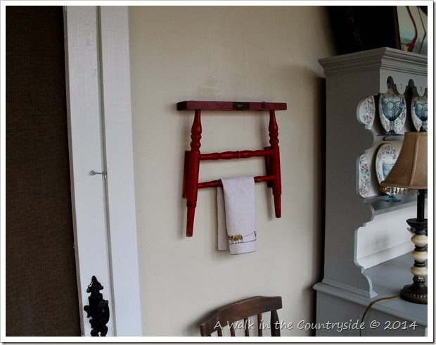 towel rack from recycled pieces
