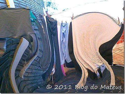 Contorcionismo varal roupas efeito distorção