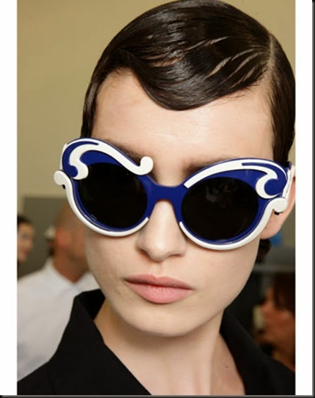 50-chic-tips-prada-statement-sunglasses-de