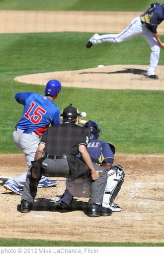 'Darwin Barney squares around to bunt.' photo (c) 2012, Mike LaChance - license: https://creativecommons.org/licenses/by/2.0/