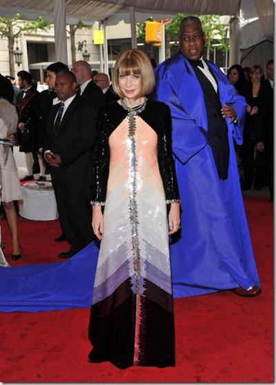 Alexander McQueen Savage Beauty Costume Institute 6GTJ7Ot_ZLNl