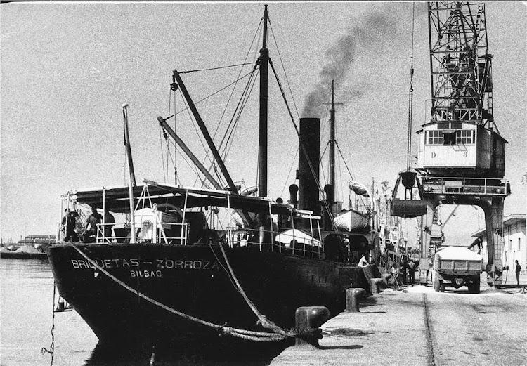 El vapor BRIQUETAS ZORROZA en lugar y fecha indeterminados. Foto de la web Tradera.jpg