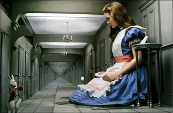8- Síndrome de Alice no país das maravilhas