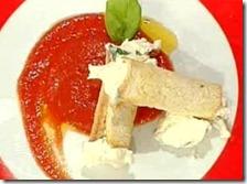 Cannoli con mousse di squaquerone pomodoro e basilico